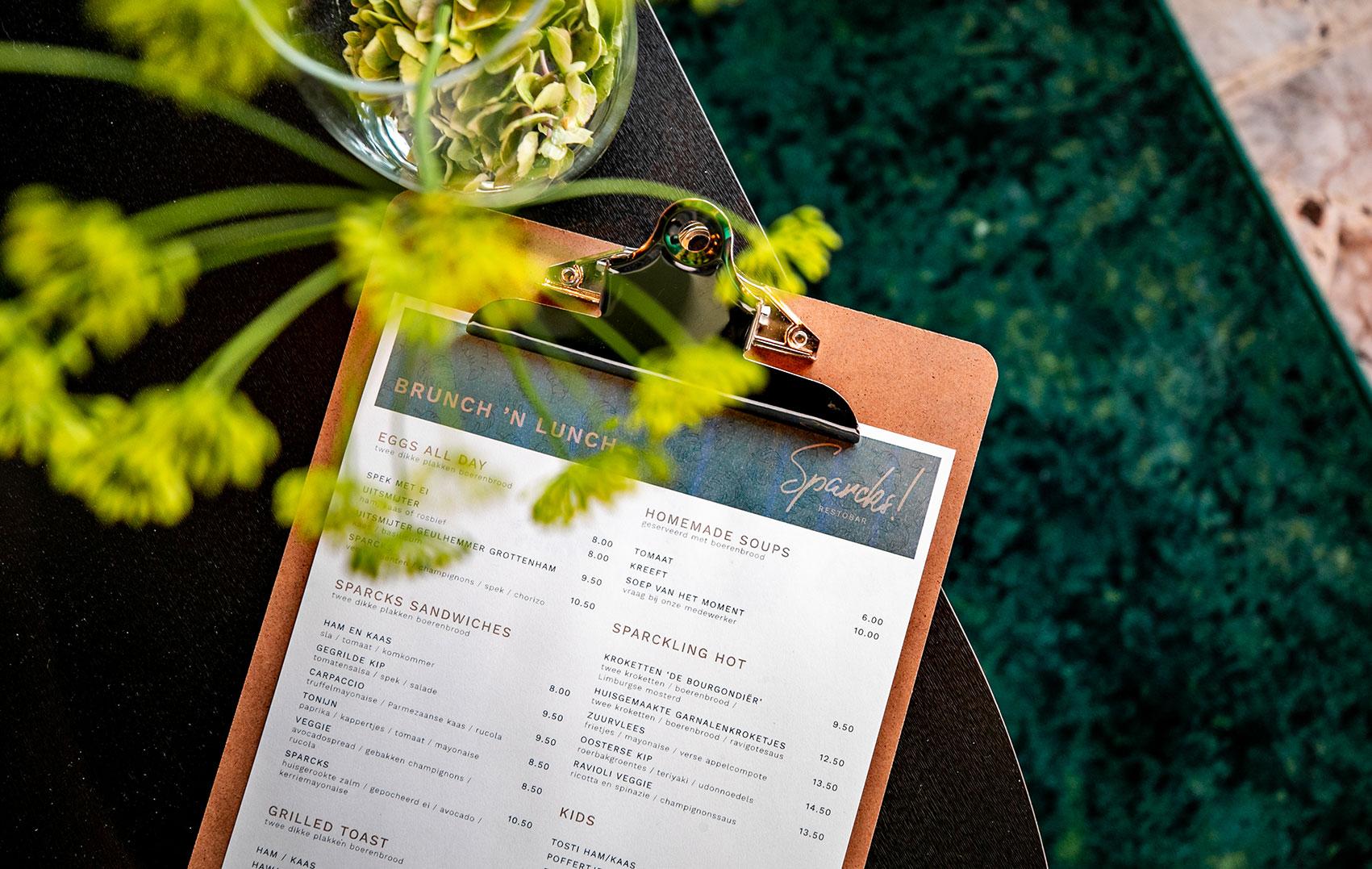 Bekijk de menukaart van Sparcks Restobar